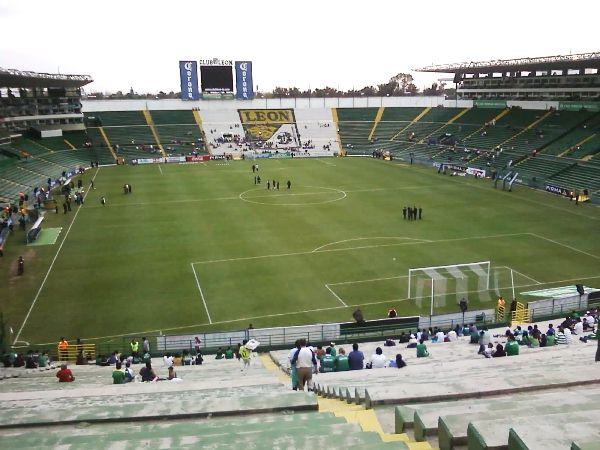 Estadio León image